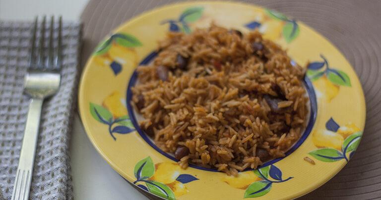 Рис по-мексикански с фасолью в томатном соусе от АФК