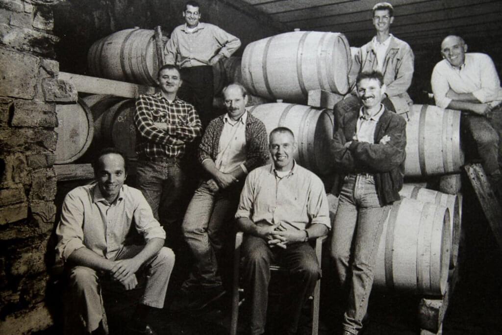 Вино и около — телеграм-канал рассказывающий о мире вина со знанием дела