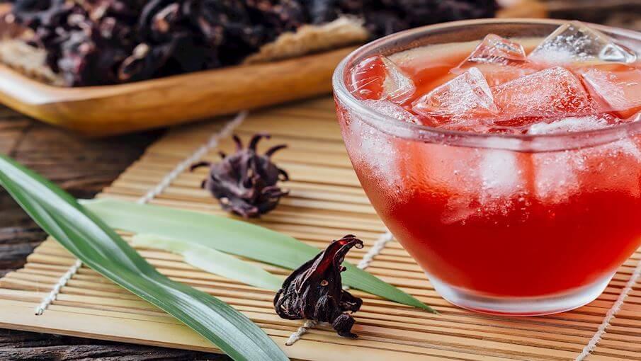 Отвар из гибискуса - популярный напиток в Сенегале